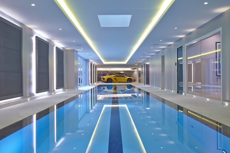 Piscine et spa decofinder for Prix piscine interieur