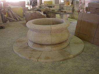 Marbrerie Rouillon -  - Fontaine Centrale D'ext�rieur