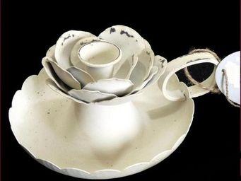 L'HERITIER DU TEMPS - bougeoir tasse rose en fer - Bougeoir