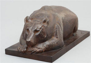 Galerie P. Dumonteil - ours couch� - Sculpture Animali�re
