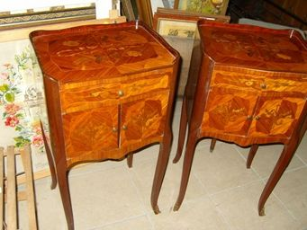 Brocante de la Gravelle -  - Table De Chevet