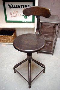LE MARCHAND D'OUBLIS -  - Chaise D'atelier