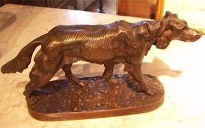 ANTIQUITES THUILLIER - chien à l'arrêt - Sculpture Animalière