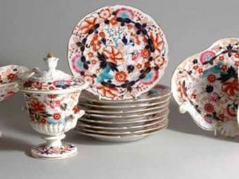 EARLE D VANDEKAR OF KNIGHTSBRIDGE - a chamberlain worcester porcelain imari dessert se - Assiette À Dessert