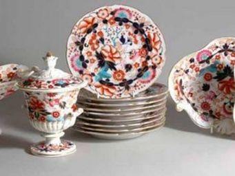EARLE D VANDEKAR OF KNIGHTSBRIDGE - a chamberlain worcester porcelain imari dessert se - Assiette � Dessert