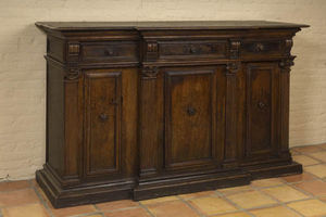 FOSTER-GWIN - walnut credenza - Crédence