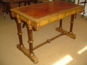 Brookes-Smith - oak arts and crafts writing table - Table D'écriture