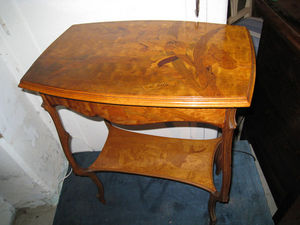 DE PEYRECAVE - petite table - Table D'appoint