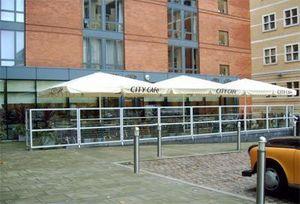 M. & D. Gee -  - Ecran De Terrasse De Cafe