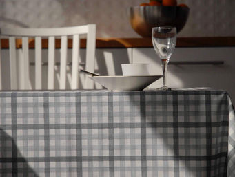FLEUR DE SOLEIL - nappe enduite vichy gris 160x160 - Nappe Enduite