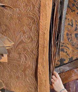 Atelier Mériguet Carrère - cuir gaufré - Revêtement Mural