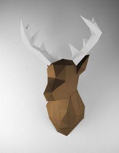 PAPERTROPHY - cerf marron & blanc - Trophée De Chasse