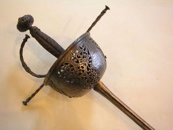 Aux Armes d'Antan - superbe rapière à la taza, époque xviième siècle - Epée