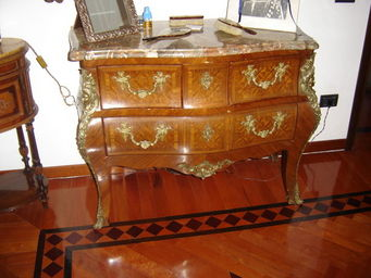 ANTIQUARIATO A. A. ZANNA -  - Commode Sauteuse