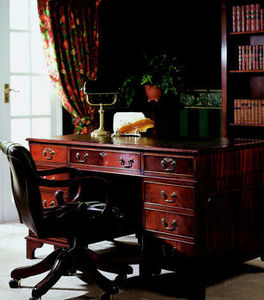 Balmoral Furniture -  - Bureau De Direction