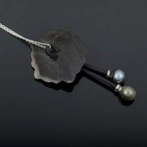 Expertissim - pendentif fleur de tiaré en nacre et perles de cul - Pendentif