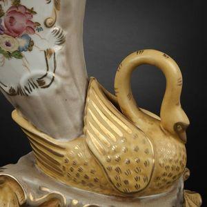 Expertissim - paire de vases de forme rython en porcelaine - Vase Décoratif