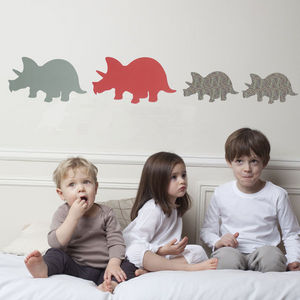 ART FOR KIDS - stickers famille trieratops - Sticker D�cor Adh�sif Enfant