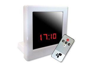 WHITE LABEL - réveil espion blanc avec télécommande camera espio - Camera De Surveillance