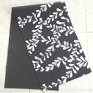 ITI  - Indian Textile Innovation - leafs - Chemin De Table