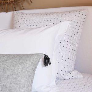 MAISON D'ETE - taie d'oreiller plumetis blanc - noir - Taie D'oreiller