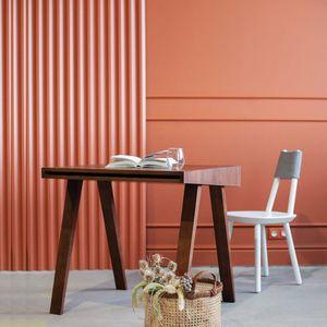 EMKO - desk 4.9 - bureau 80 x 70 cm frêne teint brun fonc - Bureau