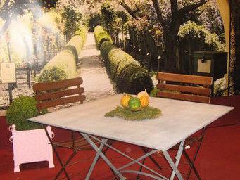 Jardinieres & Interieurs -  - Table De Jardin Pliante