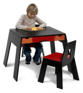 COLLECT FURNITURE - a table - Table Enfant