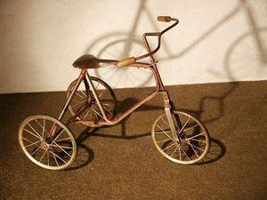 Au Réveil du Temps -  - Tricycle