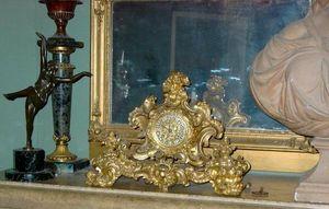 Baron Antiquit�s - pendule rocaille - Horloge � Poser