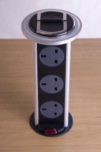 Broad Power Solutions - kitchen powerdock - 3 way black & silver with neon - Enceinte Acoustique