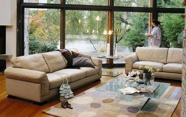 tenderness salon roche bobois decofinder. Black Bedroom Furniture Sets. Home Design Ideas