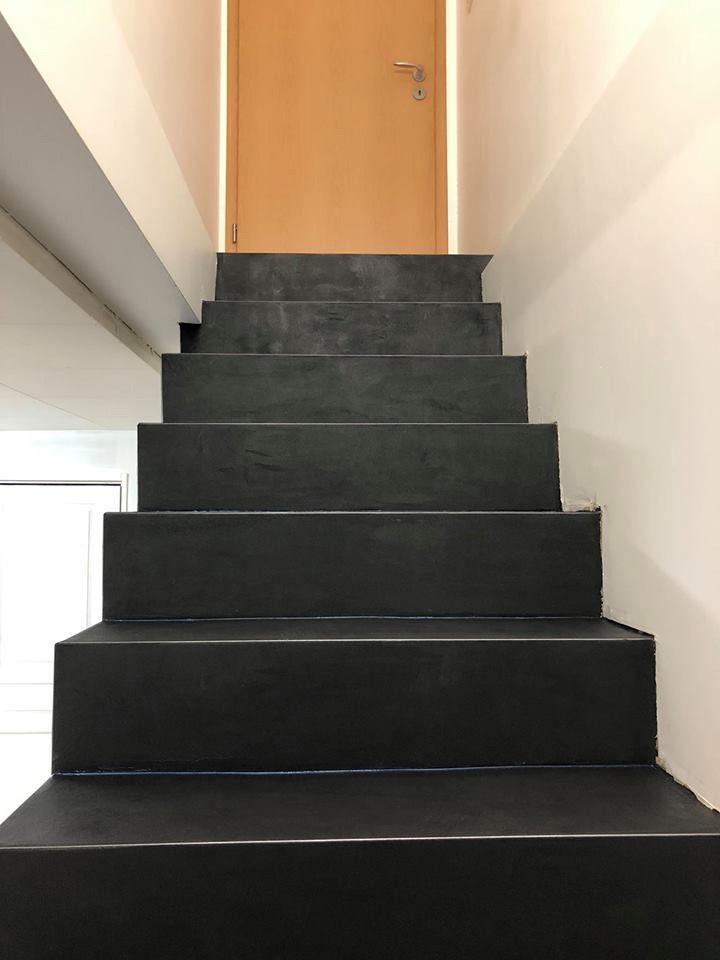 escalier en b ton cir b ton cir sol gris b ton. Black Bedroom Furniture Sets. Home Design Ideas