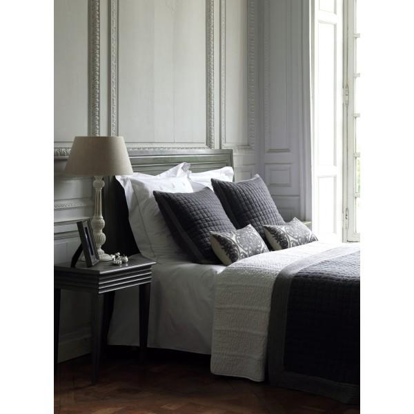 kate gris fonc t te de lit blanc d 39 ivoire decofinder. Black Bedroom Furniture Sets. Home Design Ideas