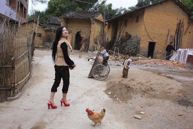 AXELLE DE RUSSÉ - Photographie-AXELLE DE RUSSÉ-Chine les retour des comcubines