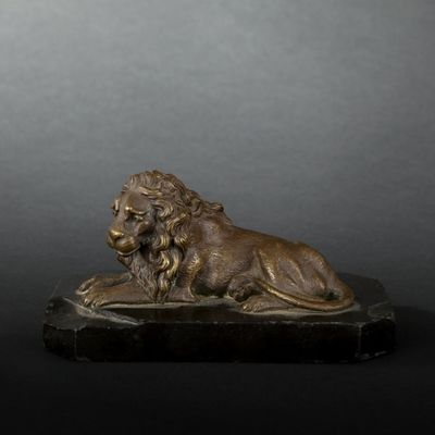 Expertissim - Sculpture animalière-Expertissim-Presse-papier figurant un lion en bronze, XIXe siè