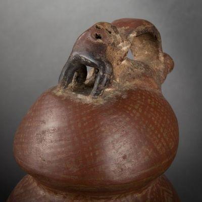 Expertissim - Objet d'art précolombien-Expertissim-Vase tripode en céramique. Cuasmal