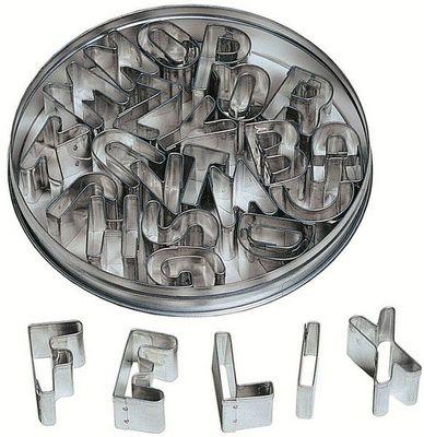Redecker - Lettre décorative-Redecker-Emporte pièces alphabet 26 pièces 12x12x2cm