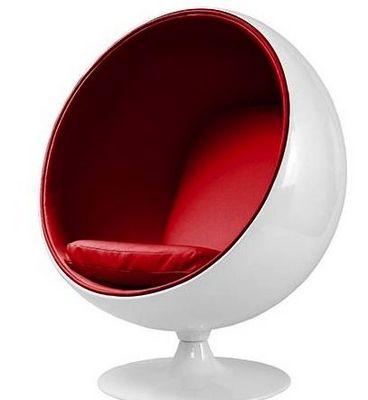Eero Aarnio - Fauteuil et pouf-Eero Aarnio-Fauteuil Ballon Aarnio coque blanche interieur rou