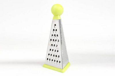 WHITE LABEL - Râpe à légumes-WHITE LABEL-Râpe multi-fonction pyramide en inox et rubber