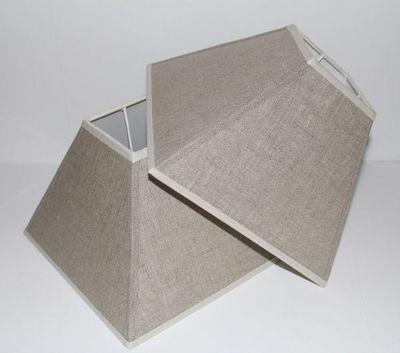 L'ATELIER DES ABAT-JOUR - Abat-jour carré-L'ATELIER DES ABAT-JOUR-Pyramide en Lin