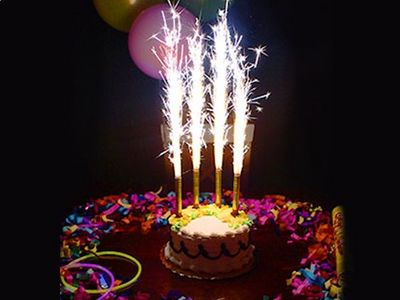 WHITE LABEL - Bougie d'anniversaire-WHITE LABEL-Le lot de 4 bougies fontaine anniversaire objet de