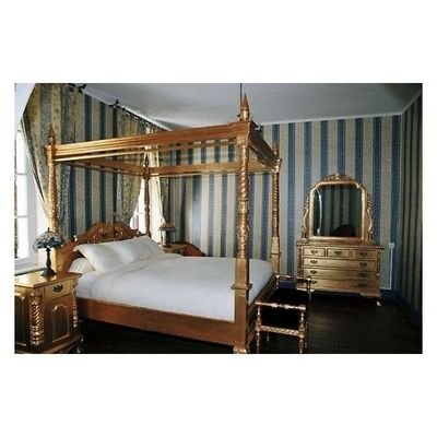 DECO PRIVE - Lit double � colonnes-DECO PRIVE-Lit a baldaquin baroque en bois dore modele Chippe