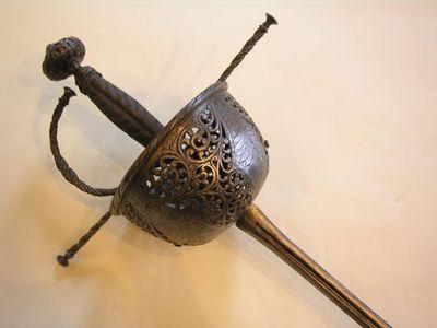 Aux Armes d'Antan - Epée-Aux Armes d'Antan-Superbe rapière à la Taza, époque XVIIème siècle