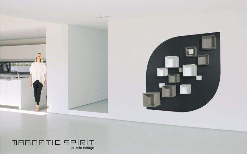 MAGNETIC SPIRIT    Dining room |