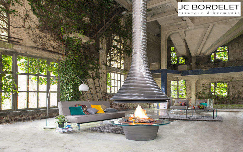 JC Bordelet Central fireplace Fireplaces Fireplace Living room-Bar   Eclectic