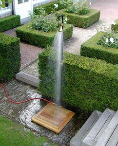 D'un Jardin A L' Autre Outdoor shower