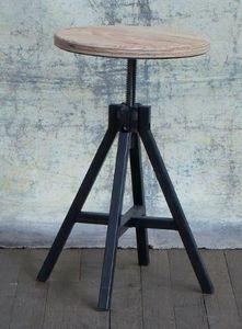 Assemblage M Adjustable stool