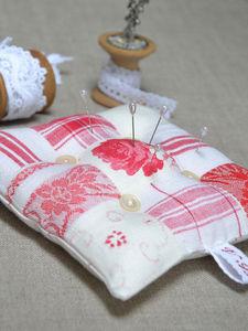 L'atelier de véro - pique épingles - Sewing Kit