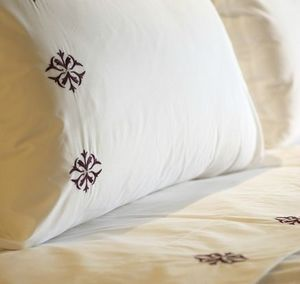 PRETTY LINGE -  - Pillowcase